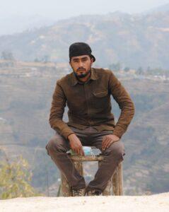Maheshwor Ghorasini